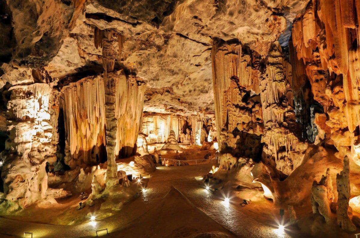 Caves Oudtshoorn South Africa