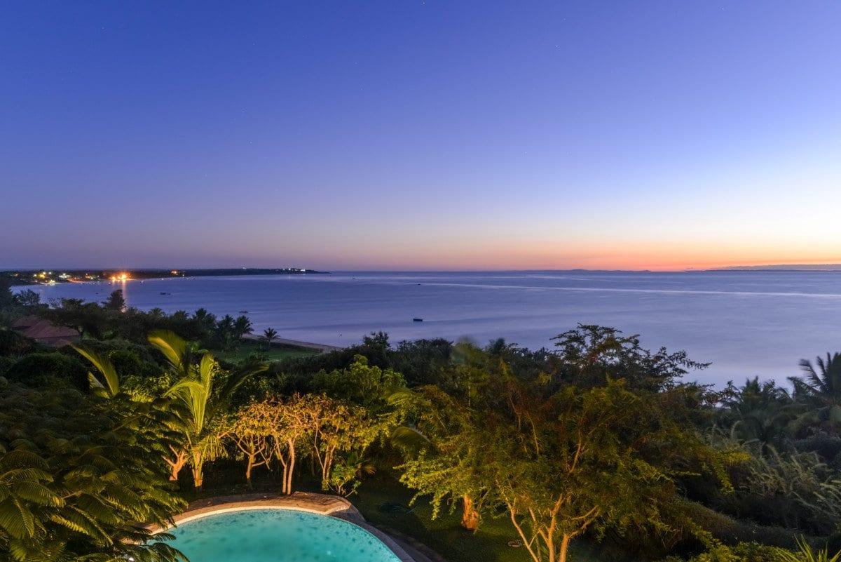 Tofo Beach in Vilankulo, Mozambique at sunrise.