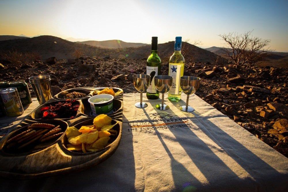 huab-under-canvas-sundown-drinks