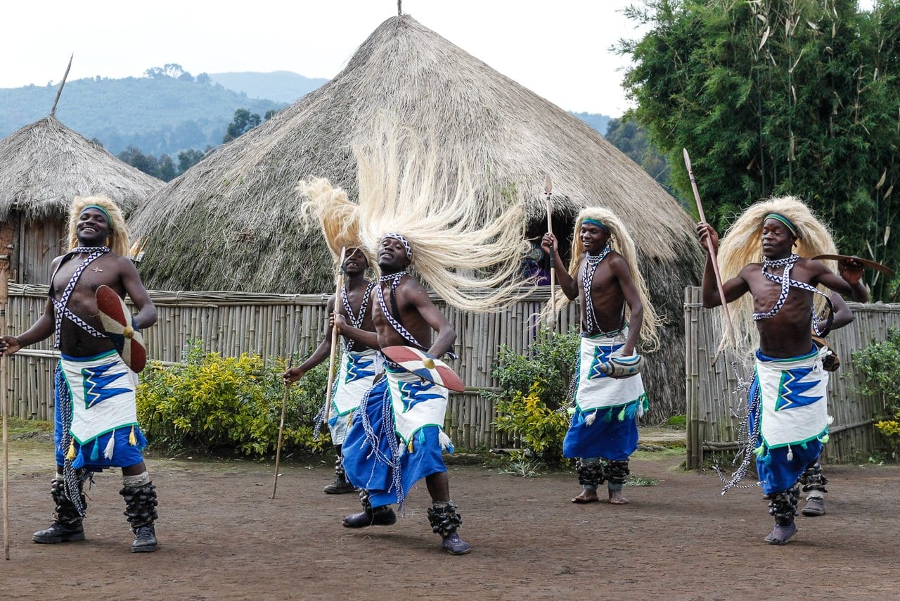 c_culbert_rwanda-cultural_dancers_show-2